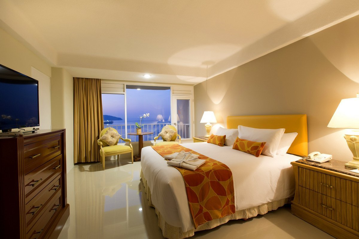 Discover our hotel Acapulco